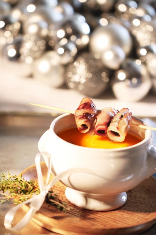 Kuerbissuppe mit Speck Pflaumen